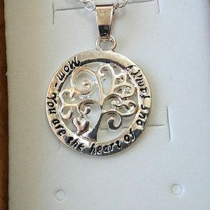 Jewelry - Silvertone Tree of Life Mom Heart Family Necklace